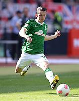 Fussball 1. Bundesliga   Saison  2012/2013   34. Spieltag   1. FC Nuernberg - SV Werder Bremen       18.05.2013 Aleksandar Stevanovic (SV Werder Bremen) am Ball