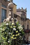 De Flor en Flor.<br /> Festival de Flors i Jardins de Barcelona.<br /> Del 13 al 17 d'abril d'enguany i al poble espanyol de Barcdelona tindra lloc aquest festival, en el que hi hauran entre altres exposicions de roses, orquidies i bonsais. Tambe hi trovareu divuit decoracions florals a diferents espais, tallers diversos i altres activitats  relacionades amb les flors, i musica en directe, a mes de les activitats habituals del Poble Espanyol.