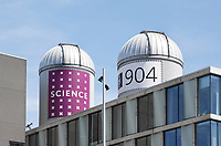 Nederland Amsterdam 2017. Het Science Park. Op de Faculteit der Natuurwetenschappen, Wiskunde en Informatica (FNWI) van de Universiteit van Amsterdam staan twee sterrenkoepels. . De sterrenkoepels,  een zonnekoepel en een sterrenkoepel, zijn bestemd voor onderzoek door het Sterrenkundig Instituut Anton Pannekoek. Foto Berlinda van Dam / Hollandse Hoogte