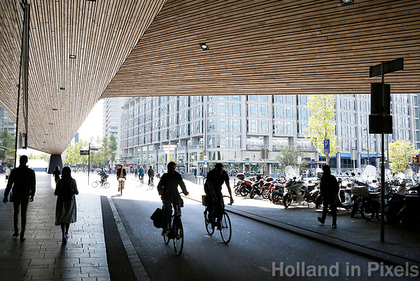 Nederland  Rotterdam -  2017.  Tunnel bij Centraal Station.     Foto Berlinda van Dam / Hollandse Hoogte