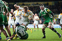 Matt Mullan of Wasps is tackled by Blair Cowan of London Irish. Aviva Premiership match, between London Irish and Wasps on November 28, 2015 at Twickenham Stadium in London, England. Photo by: Patrick Khachfe / JMP
