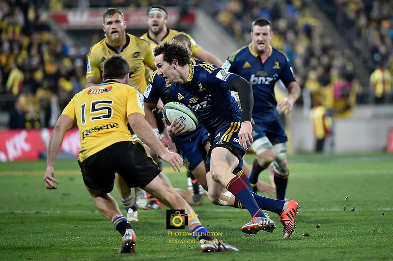 Marty Banks in action during the Super Rugby Final - Hurricanes v Highlanders at Westpac Stadium, Wellington, New Zealand on Saturday 4 July 2015.<br /> Photo by Masanori Udagawa. <br /> www.photowellington.photoshelter.com.