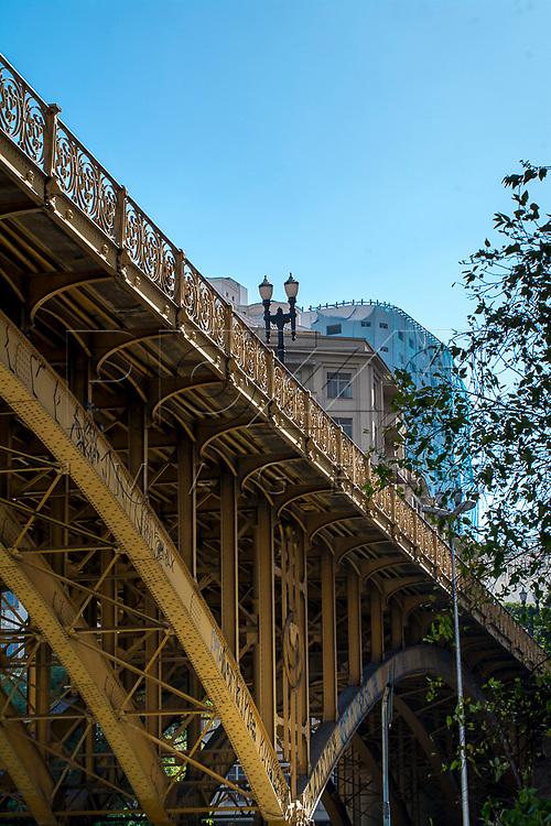 Viaduto Santa Ifigênia no centro histórico da capital, São Paulo-SP, 07/2016.