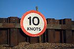 Ten knots speed limit sign