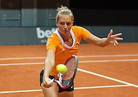 13 April, 2016, France, Trélazé, Arena Loire,   Semifinal FedCup, France-Netherlands, Dutch team warming up, Cindy Burger<br /> Photo: Henk Koster/tennisimages