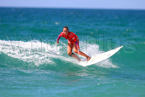 14.08.2016. Newquay, England. Board Masters Surfing Competition Sunday.  Rachael Tilly USA takes runner up in the womens Longboard championship.