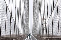 NOVA YORK, NY, 14.03.2017 - CLIMA-NEW YORK - Vista da Ponte do Brooklyn durante uma Nevasca A mais recente tempestade de neve dos últimos anos provocando cancelamento de quase 7.000 vôos segundo uma CNN. (Foto: William Volcov / Brazil Photo Press)