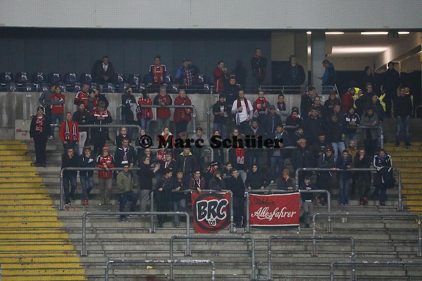 Fans aus Ingolstadt - 25.10.2016: Eintracht Frankfurt vs. FC Ingolstadt 04, 2. Hauptrunde DFB-Pokal, Commerzbank Arena