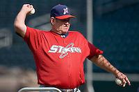 Huntsville Stars manager Don Money (7) throws batting practice at the Baseball Grounds in Jacksonville, FL, Thursday June 12, 2008.