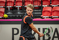 The Hague, The Netherlands, Februari 4, 2020,  Sportcampus , FedCup  Netherlands - Balarus, Dutch team practise, coach Roel Oostdam (NED)<br /> Photo: Tennisimages/Henk Koster