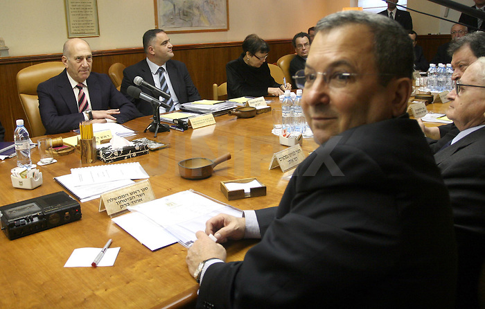 Defense Minister Ehud Barak attends the last cabinet meeting with Ehud Olmert as prime minister at the PM's office in Jerusalem. March 30 2009. Photo: Ariel Jerozolimski / Pool / JINI