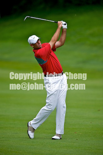 06/24/09 - Photo by John Cheng for Newsport.  PGA Pro Stewart Cink hits from the fairway at the Travelers Championship at the TPC River Highlands in Cromewll Connecticut.