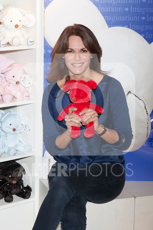 Fabiola Martinez poses during the Kiconico Red solidary project in Madrid, Spain. November 12, 2014. (ALTERPHOTOS/Victor Blanco)