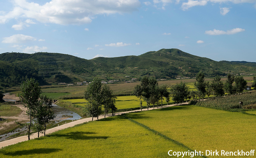Landschaft im Osten , Nordkorea, Asien<br /> Landscape on the east of North Korea, Asia