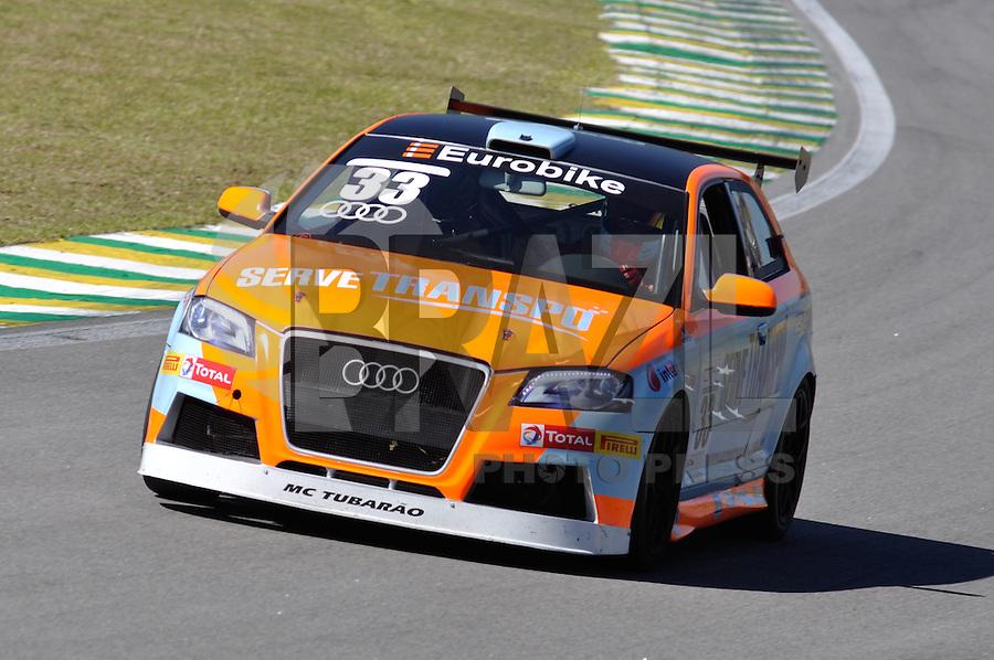 SÃO PAULO, SP, 21 DE JULHO DE 2012 - 4ª ETAPA AUDI DTCC:  Alex Fabiano durante quarta etapa da Audi DTCC (Driver Touring Car Cup) 2012, em prova realizada neste sábado (21), no Autódromo de Interlagos em São Paulo. FOTO: LEVI BIANCO - BRAZIL PHOTO PRESS