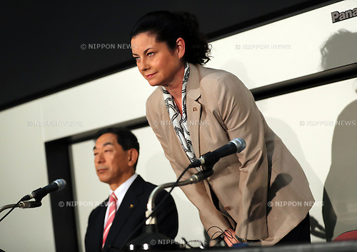 August 9, 2016, Tokyo, Japan - Japan's McDonald's Holdings president Sarah Casanova bows her head as she announces the company's first half financial result at the Tokyo Stock Exchange in Tokyo on Tuesday, August 9, 2016. McDonald's Japan said the company's net profit in the first half is 158 million while the fast-food restaurant chain posted record loss at the same period of the last year.    (Photo by Yoshio Tsunoda/AFLO) LWX -ytd-