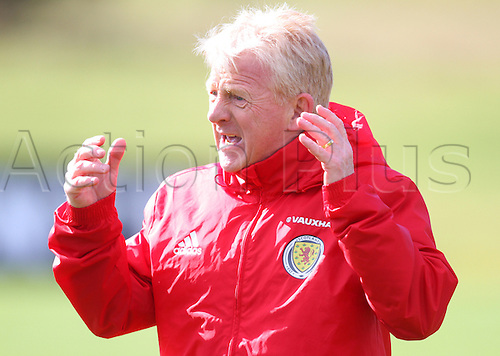 28.03.2016. Mar Hall, Glasgow, Scotland. International Football Scotland Training and Media Event. Gordon Strachan tries to get his point across to the players