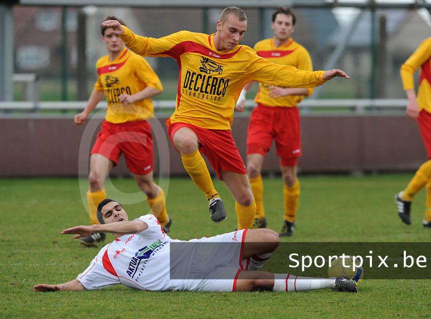 Racing Waregem - Hoogstraten VV : Karim Didi (links) met de tackle op Dylan Debrouwere en de bal.foto VDB / BART VANDENBROUCKE