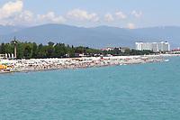 Blick auf Olympic Beach und das Hotel Radison BLU der Deutschen Mannschaft - 24.06.2017: Strand Olympic Beach in Sotschi am Fisht Stadium