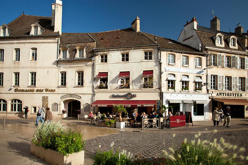 France, Côte-d'Or (21), Beaune, place de la Halle // France, Cote d'Or, Beaune, Place de la Halle
