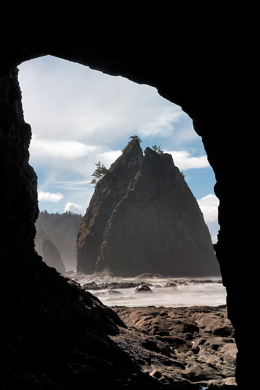 Split Rock as seen through arch at Rialto Beach. Olympic National Park, Washington