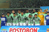 MEDELLÍN -COLOMBIA-21-05-2014. Jugadores de Atlético Nacional posan para una foto de grupo previo al partido de vuelta con Atlético Junior por la ffinal de la Liga Postobón I 2014 jugado en el estadio Atanasio Girardot de la ciudad de Medellín./ Players of Atletico Nacional pose to a photo group prior the second leg match against Atletico Junior for the final of the Postobon League I 2014 at Atanasio Girardot stadium in Medellin city. Photo: VizzorImage / Felipe Caicedo / Staff