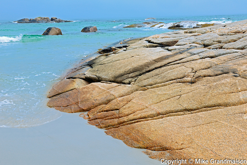 Shoreline of the Atlantic Ocean<br /> Kejimkujik National Park (Seaside Adjunct)<br /> Nova Scotia<br /> Canada