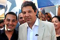 SAO PAULO, SP, 09 DE AGOSTO 2012 – Marcelo Frisoni, candidato à vereador e o candidato a prefeitura de Sao Paulo Fernando Haddad (PT) participaram nesta tarde de caminhada pelas ruas de Itaquera, zona leste da capital.  (FOTO: THAIS RIBEIRO / BRAZIL PHOTO PRESS).
