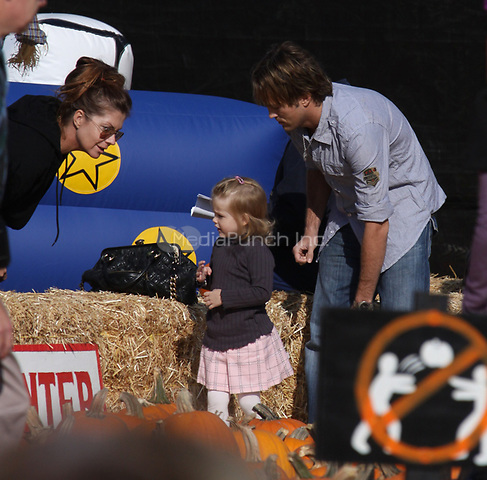 BEVERLY HILLS, CA - OCTOBER 11: Larry Birkhead and daughter Dannielynn Birkhead sighting at Pumpkin Patch on October 11, 2009 in Beverly Hills, California.<br /> <br /> People:  Larry Birkhead,  Dannielynn Birkhead<br /> <br /> Transmission Ref:  MNC<br /> <br /> <br /> <br /> Credit: Hoo-Me.com / MediaPunch
