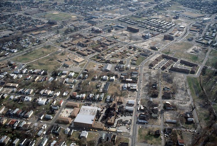 1990 February 12..Redevelopment.Huntersville 1&2 (R-70)..CAPTION...NEG#.NRHA#..