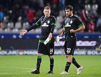 FUSSBALL   1. BUNDESLIGA   SAISON 2012/2013  5. SPIELTAG  26.09.2012 SC Freiburg - SV Werder Bremen Aaron Hunt (li, SV Werder Bremen) und Sokratis Papastathopoulos (SV Werder Bremen)