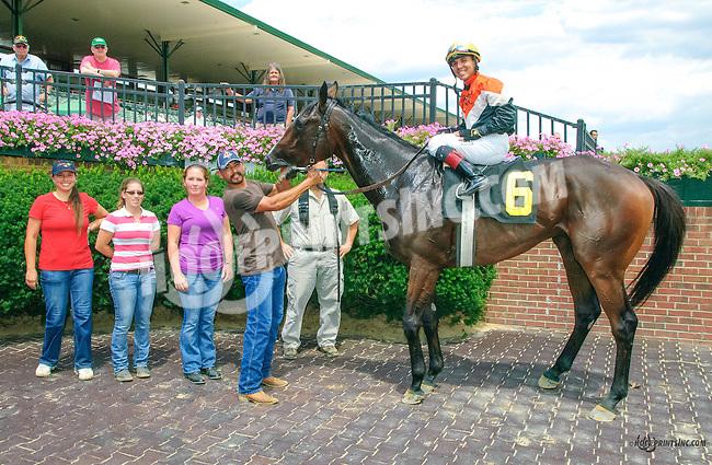 Top Floor winning at Delaware Park on 8/8/15