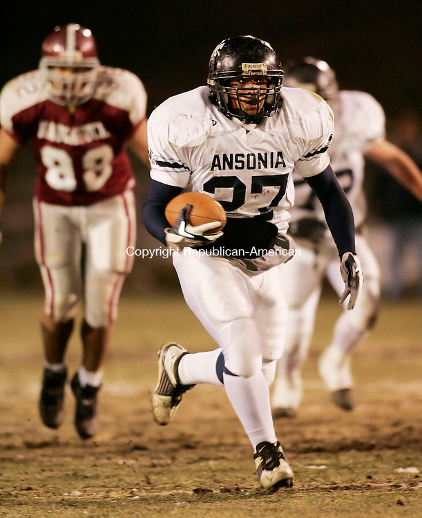 NAUGATUCK, CT 25 November 2005 -112505BZ09-   Ansonia High #27, Jeremy Jackson runs for a touchdown <br /> during the annual Naugatuck-Ansonia Thanksgiving Day Football Game Friday night.  <br /> Jamison C. Bazinet Republican-American