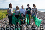 Part of the Fexco Clean-Up Crew on Cromane Beach on Thursday Pictured l-r: Hannah Moriarty, Ciara O'Sullivan, Kerry O'Connor, Mike Edgar & Tara O'Connor<br /> Front: Oisín O'Sullivan