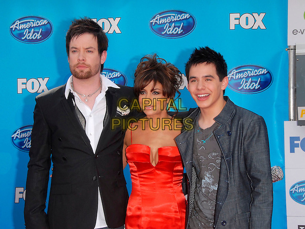 DAVID COOK, PAULA ABDUL & DAVID ARCHULETA.The American Idol Finale held at The Nokia Center in Los Angeles, California, USA..May 21st, 2008                                                                     .half length black grey gray suit jacket red dress.dress CAP/DVS.©Debbie VanStory/Capital Pictures.