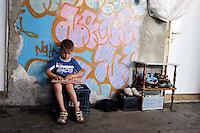 Roma, 6 Giugno 2010<br /> Metropoliz.Ex fabbrica abbandonata Fiorucci occupata ..L'edificio &egrave; occupato da un gruppo di Rom Romeni. ..Rome, June 6, 2010.Fiorucci  abandoned factory busy..The building is occupied by a group of Romanian Roma..