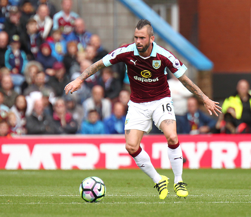 Burnley's Steven Defour<br /> <br /> Photographer Rich Linley/CameraSport<br /> <br /> Football - The Premier League - Burnley v Liverpool - Saturday 20 August 2016 - Turf Moor - Burnley<br /> <br /> World Copyright &copy; 2016 CameraSport. All rights reserved. 43 Linden Ave. Countesthorpe. Leicester. England. LE8 5PG - Tel: +44 (0) 116 277 4147 - admin@camerasport.com - www.camerasport.com