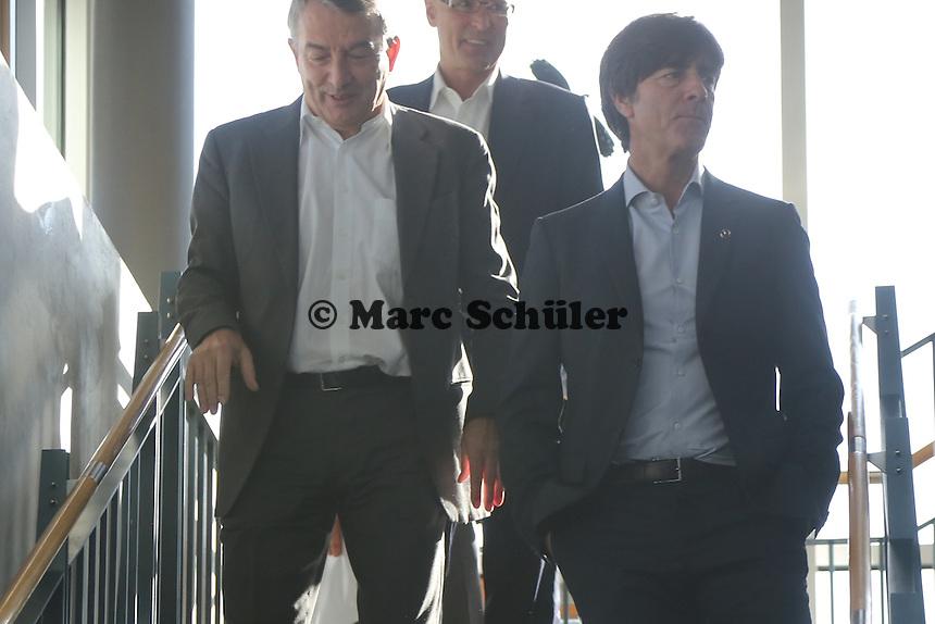 Bundestrainer Joachim Löw und DFB Präsident Wolfgang Niersbach - Vertragsverlängerung von Bundestrainer Joachim Löw, DFB Zentrale
