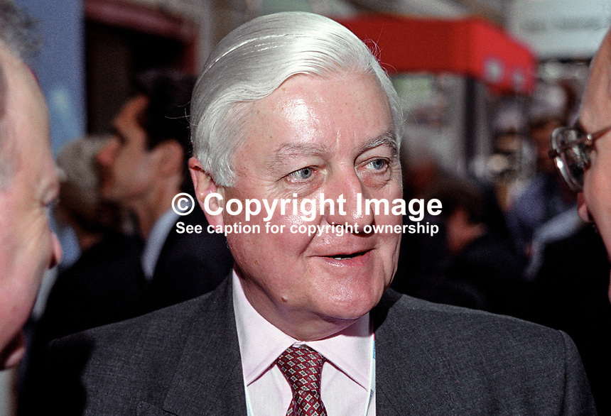 Peter Temple-Morris, MP, UK, Labour Party, defector from Conservative Party, 199810128.<br />