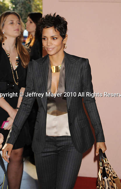 BEVERLY HILLS, CA. - December 07: Halle Berry attends The Hollywood Reporter's Power 100: Women In Entertainment Breakfast at Beverly Hills Hotel on December 7, 2010 in Beverly Hills, California.