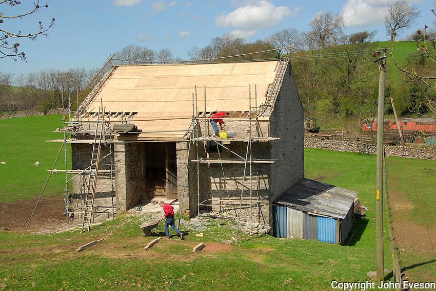 Repairing a stone barn, Kirkby Stephen, Cumbria.