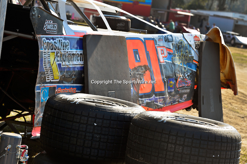 Feb 09, 2014; 3:50:13 PM; Lake City, FL., USA; The UMP Nationals running a $5000-to-win UMP DIRTcar event at North Florida Speedway.  Mandatory Credit: (thesportswire.net)