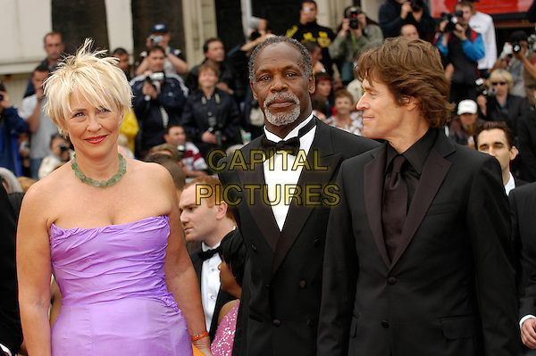 "DANNY GLOVER & WILLEM DAFOE.""Manderlay"" screening at the Grand Theatre during the 58th International Cannes Film Festival..May 16th, 2005.half length purple strapless bow tie.www.capitalpictures.com.sales@capitalpictures.com.©Capital Pictures"
