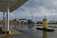 Aziziya, Libya, March 31, 2011..The embargo against Libya is starting to take a toll on the economy, the most visible sign being the long queues at the rare petrol stations still open....