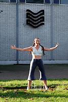 Nederland - Amsterdam -  November2019. Waternet bij de Amstelveenseweg. Het Waternet-meisje ( Lady Solid ) van Caro Bensca.   Foto Berlinda van Dam / Hollandse Hoogte