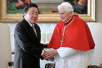 Udienza del Santo Padre al Presidente della Mongolia, S.E. il Sig. Tsakhiagiin Elbegdorj.