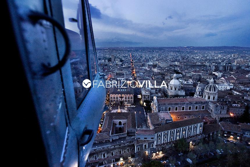 . Catania dall'alto.                  .