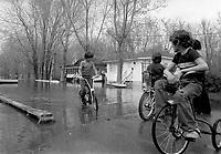 1974 05 21DIS - INNONDATION Rosemere JPG