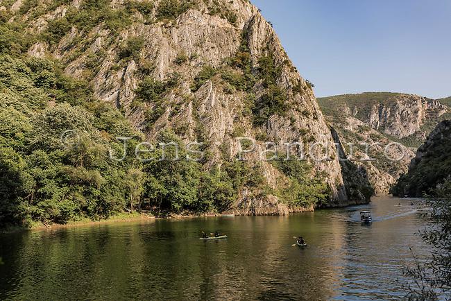 Makedonien. Sejltur på vandet i Canyon Matka ved Skopje. Cave Vrelo med flagermus og drypsten. Foto: Jens Panduro