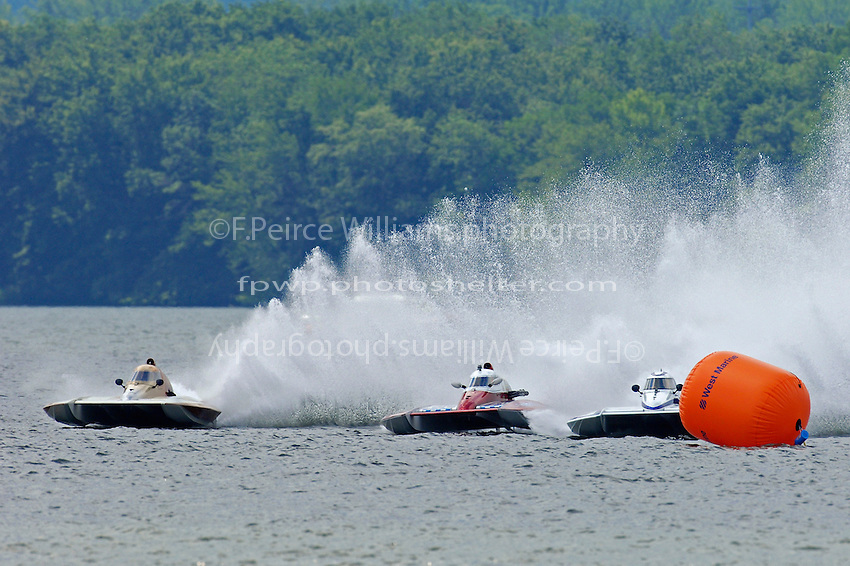 "(L to R): Kent Henderson, S-00, Rob Stevenson, CS-10 ""Wetspot"" and Mike Monohan, S-9 ""Rewinder""  (2.5 Litre Stock hydroplane(s)"